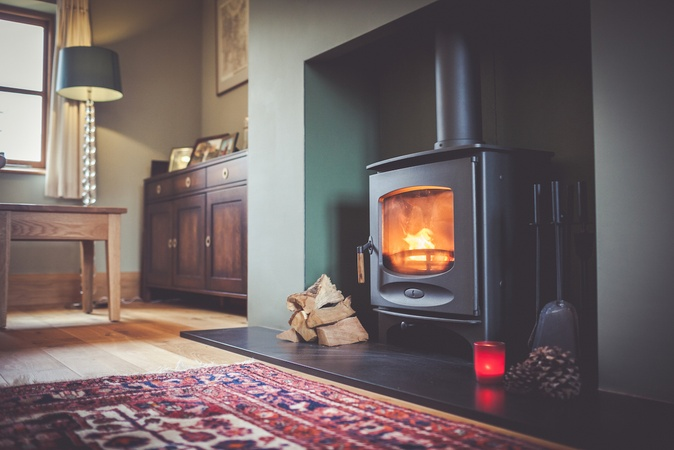 Charnwood C-Seven Wood Burner in Faux Chimney Breast in Long Crendon