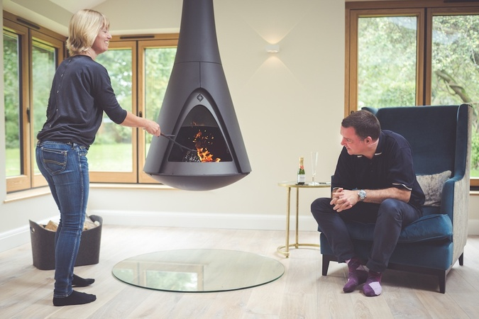 Harrie Leenders Pharos Hanging Stove with delighted customers